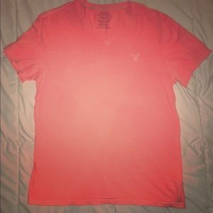 Men's Large AE V-Neck Tee